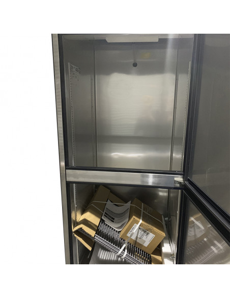 [Outlet] True T-23-2 Two Half Doors Reach-In Refrigerator