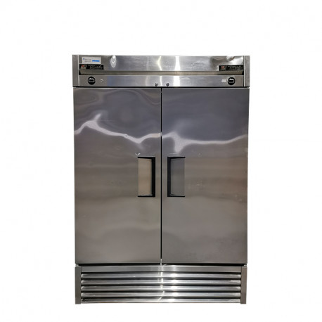 [Outlet] True T-49DT Two Doors Dual Temperature Refrigerator/Freezer